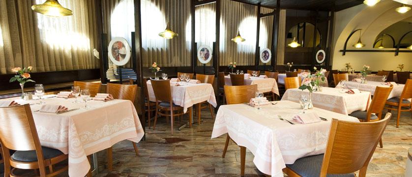 Hotel Dell'Angelo, Locarno, Ticino, Switzerland - restaurant.jpg